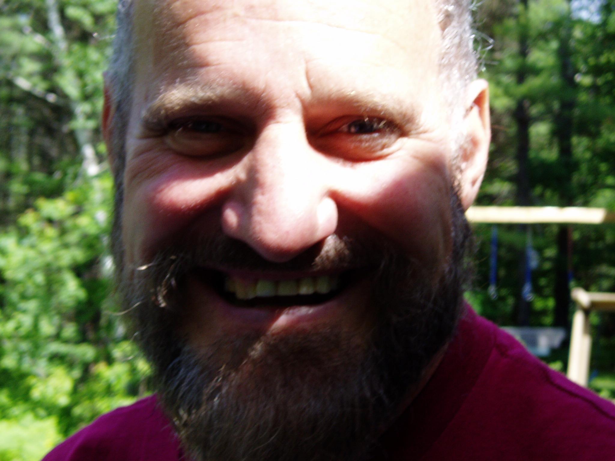Robert R Frazier
